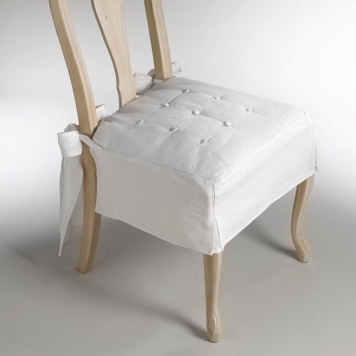 Подушка на стул из льна и хлопка, JimiХарактеристики подушки для стула:- Набивной чехол (с пуговицами, обтянутыми тканью) для невероятного комфорта. - Широкие двойные фиксаторы со скошенными гранями на завязках сзади. - Невероятно элегантная отделка подола складками (В. 18 см). - Наполнитель из полиэстера.- Отличная стойкость цветов на свету.- Легкий уход : Стирка при 40°, лёгкая утюжка.Размеры подушки:- Сидение: 43 x 43 см.- Высота подола: 18 см.<br><br>Цвет: антрацит,белый,серо-бежевый,серо-коричневый каштан,серый,экрю<br>Размер: единый размер.единый размер.единый размер
