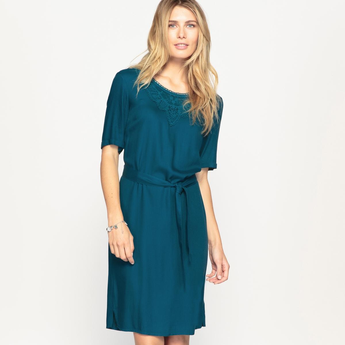 Платье-футляр, струящееся