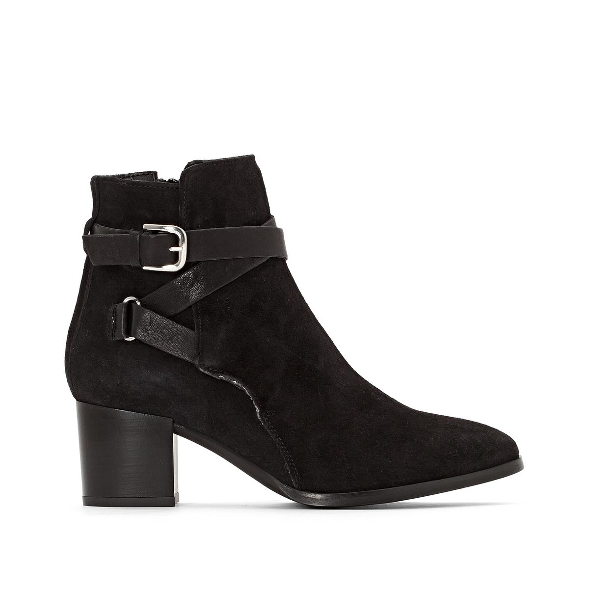 Ботильоны кожаные на каблуке MaddieПодкладка : Кожа   Стелька: Кожа   Подошва: эластомер    Высота каблука: 13 смВысота каблука: 8 смФорма каблука : ШирокийНосок : ЗакругленныйЗастежка: Застежка на молнию<br><br>Цвет: темно-синий,черный<br>Размер: 39.41