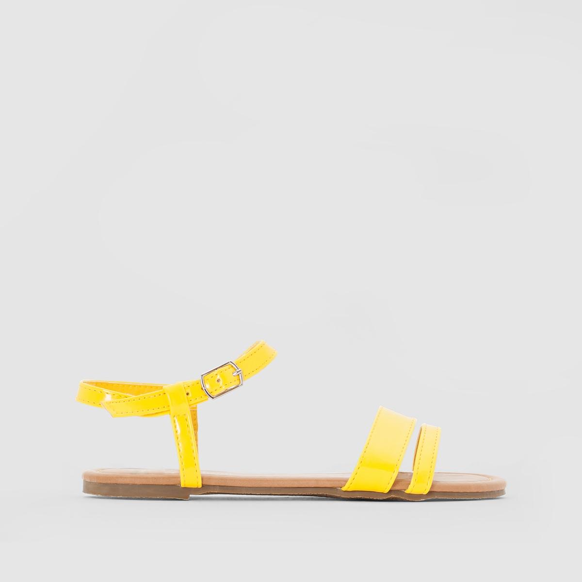 Сандалии из синтетикиОписание:Детали  •  Плоский каблук •  Застежка : ремешок/пряжка •  Открытый мысок •  ЛакированныеСостав и уход  •  Верх 100% синтетический материал •  Подкладка 100% синтетический материал<br><br>Цвет: желтый<br>Размер: 27