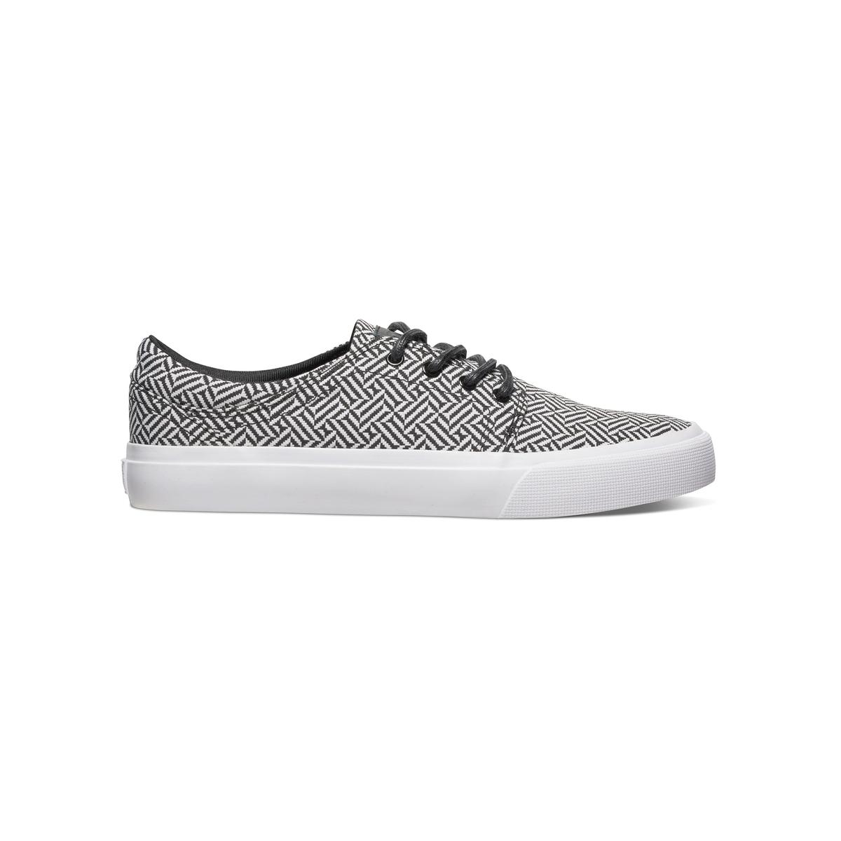 Кеды низкие DC SHOES TRASE SE M SHOE XSKWКеды низкие на шнуровке, TRASE SE M SHOE XSKW от DC SHOES.Верх: текстильПодкладка: текстильСтелька: текстиль Подошва : каучук Застежка : шнуровкаМарка DC Shoes, появившаяся в 1994 году,  позиционирует себя, как королева скольжения и создает стильные и технологичные коллекции для скейтборда, серфинга, сноуборда и даже для велосипедного мотокросса, мотоспорта и экстремальных видов спорта. В своих коллекциях она предлагает модную городскую обувь, невероятно легкую и как всегда с калифорнийским колоритом! Дополнительное преимущество для этой модели Trase : В модели используется прекрасная ткань и износоустойчивая подошва.<br><br>Цвет: черный/ белый<br>Размер: 41