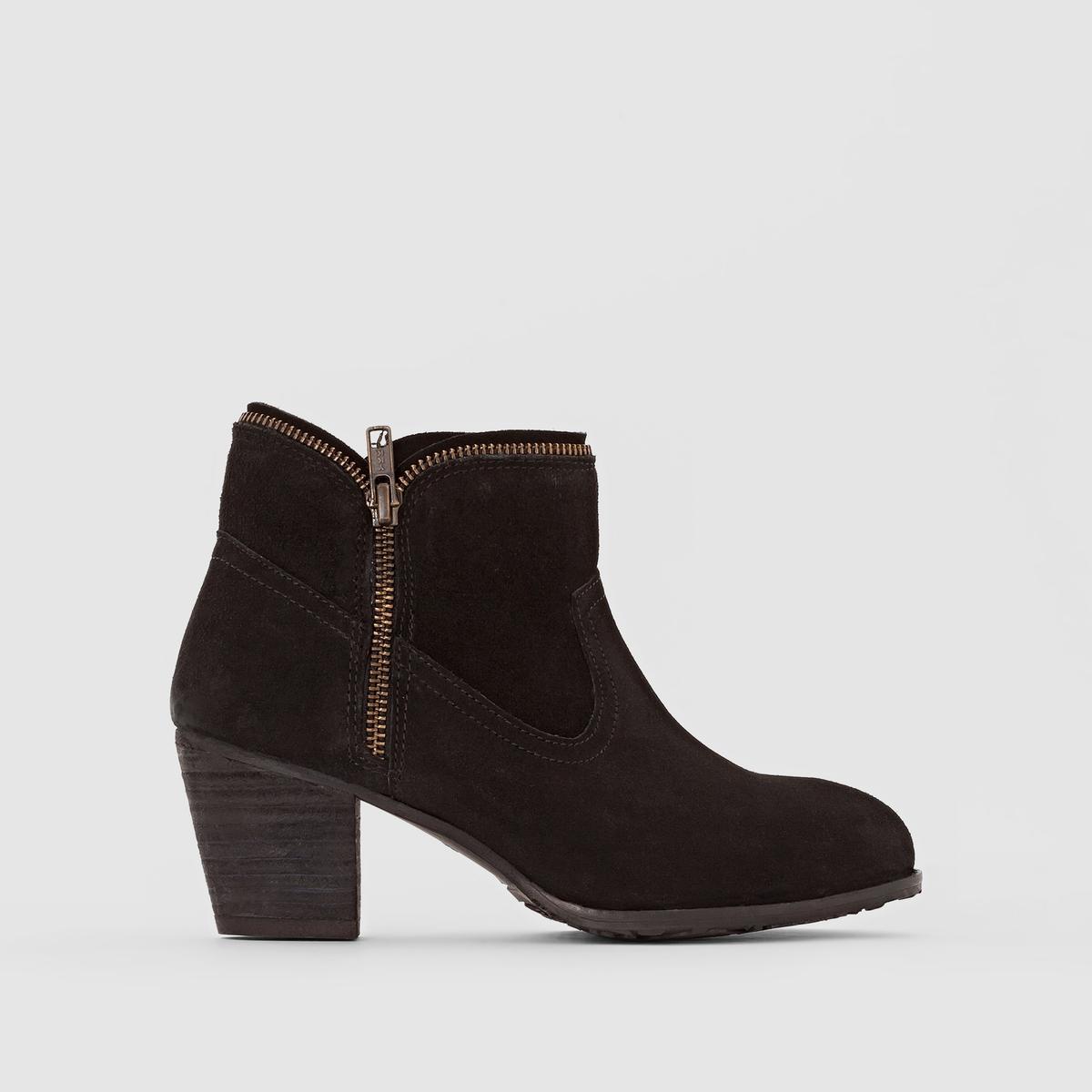 Ботильоны замшевые на каблуке KentПодкладка : ТекстильСтелька: Неотделанная кожаПодошва: КаучукВысота каблука: 10 смВысота каблука: 5 смФорма каблука : ШирокийНосок : ЗакругленныйЗастежка: Застежка на молнию<br><br>Цвет: серо-коричневый,черный<br>Размер: 40