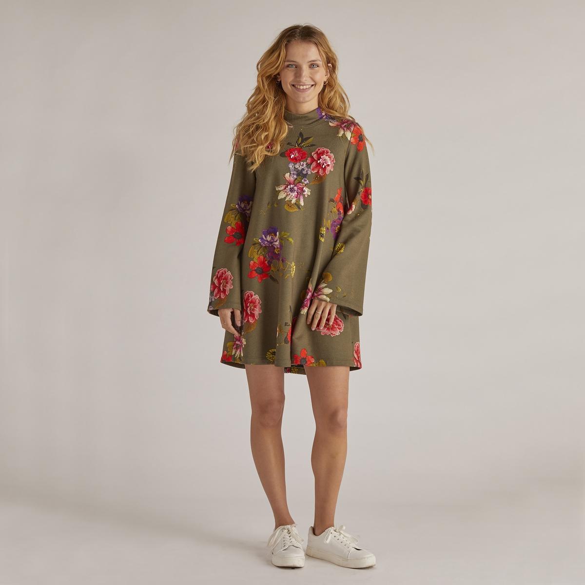 Платье-пуловер с цветочным рисунком укороченное с длинными рукавами
