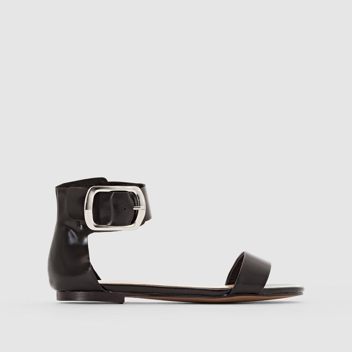 Открытые босоножки из кожиСовременная городская модель от Jonak, с модной металлической пряжкой из красивой кожи: отличные босоножки на лето!<br><br>Цвет: черный<br>Размер: 38