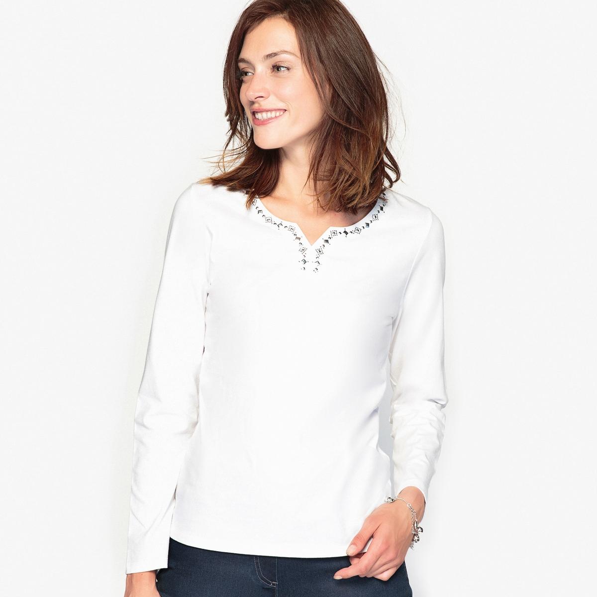 Футболка, 100% чесаный хлопокОригинальная футболка. Женственная футболка с круглым вырезом с разрезом спереди и оригинальными стразами серебристого цвета. Длинные рукава.Состав и описание :Материал : джерси, 100% чесаный  хлопок.Длина 62 см. Марка : Anne Weyburn Уход :Машинная стирка при 30 °C.Гладить при низкой температуре.<br><br>Цвет: белый,темно-синий<br>Размер: 46/48 (FR) - 52/54 (RUS).46/48 (FR) - 52/54 (RUS)