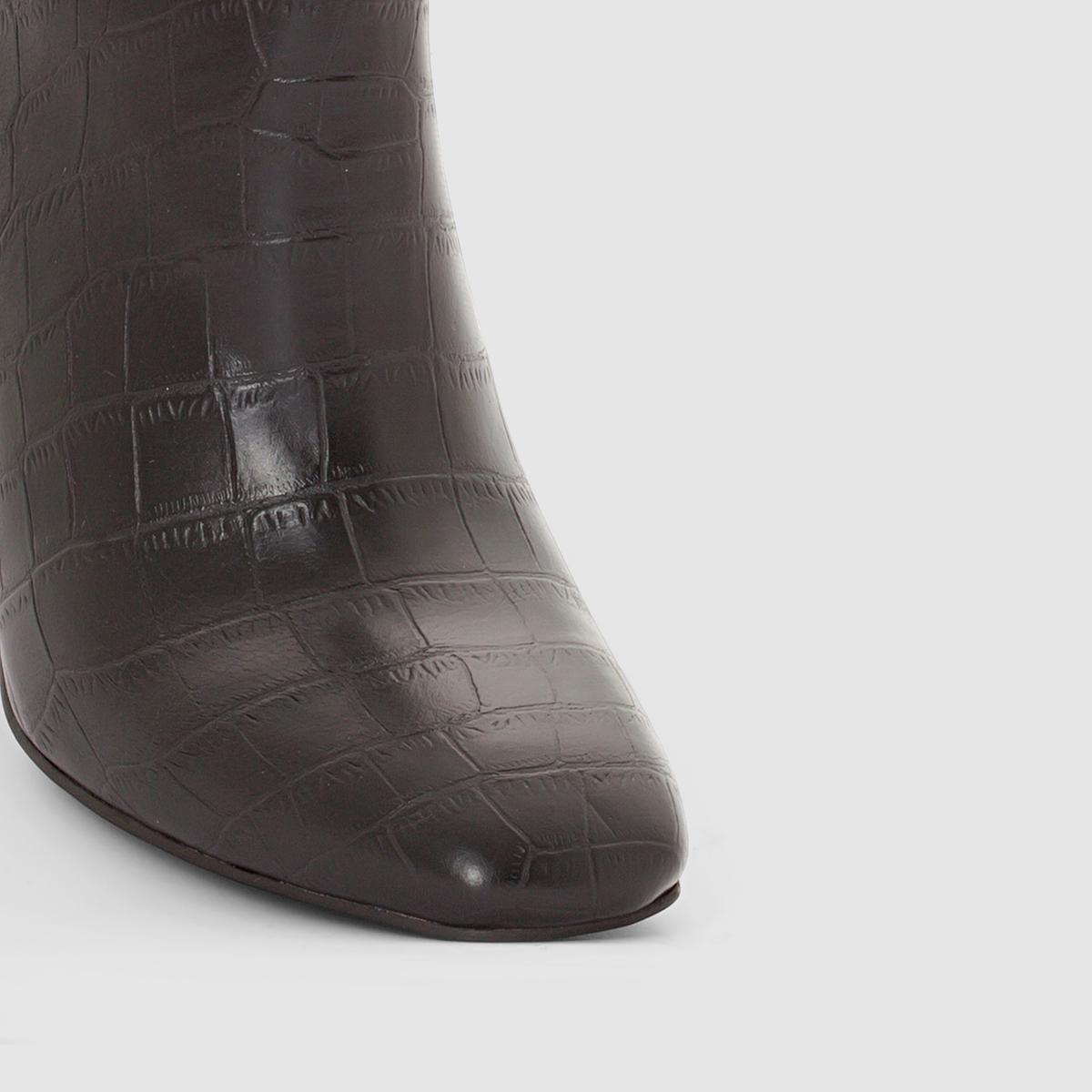 Ботильоны под крокодиловую кожуБотильоны под крокодиловую кожу ATELIER R   Верх : искусственная кожаПодкладка : синтетикаСтелька : синтетикаПодошва : из эластомера.Застежка : на молниюПреимущества: ботильоны на высоком каблуке с голенищем под крокодиловую кожу, застежка на молнию .<br><br>Цвет: черный<br>Размер: 41.40.38.37