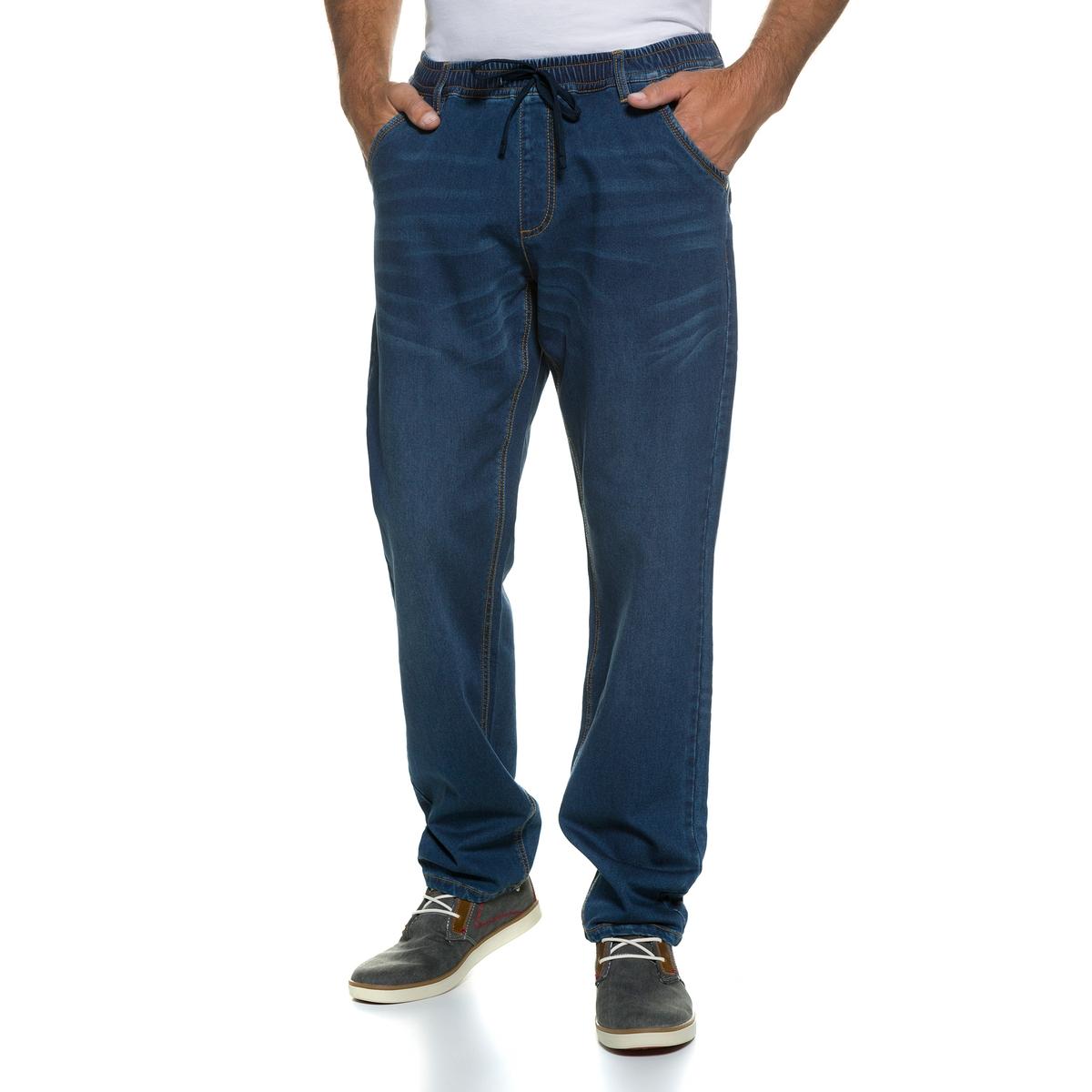 БрюкиБрюки JP1880. Современные и комфортные брюки в спортивном стиле из денима. 76% хлопка, 23% вискозы, 1% эластана. Длина по внутр.шву ок. 85-94 см.4 кармана, эластичный пояс и завязки.<br><br>Цвет: синий джинсовый<br>Размер: 6XL.4XL.XXL