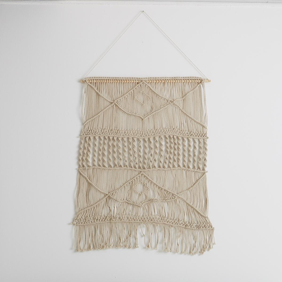 Настенный ковер в стиле макраме, большая модель, NavanitaХарактеристики :Ручное плетение, производство вручную. 100% хлопок. Багет из сосны со шнуром. Размеры : Ш.80 x В.110 см<br><br>Цвет: экрю
