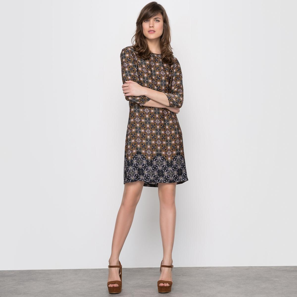 Платье-футляр с рукавами ¾