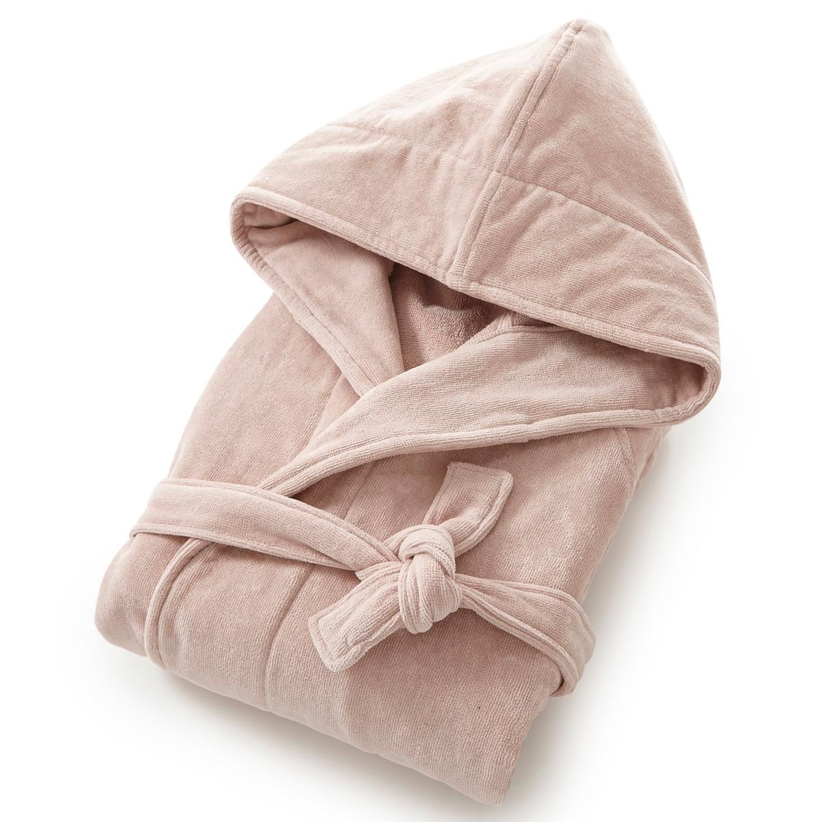Халат, махровая велюровая ткань, 450 г/м?, качество BestХарактеристики халата с капюшоном из махровой ткани :Высококачественная махровая ткань, 100% хлопок, 450 г/м?.Махровая ткань букле внутри, мягкая и шелковистая махровая велюровая ткань снаружи.Капюшон, рукава реглан, 2 кармана с прострочкой, пояс со шлевками.Длина 110-113 см.Материал долго сохраняет мягкость и прочность. Превосходная стойкость цвета после стирки при 60 °C.Машинная сушка.<br><br>Цвет: белый,розовая пудра,синий морской<br>Размер: 46/48 (FR) - 52/54 (RUS)