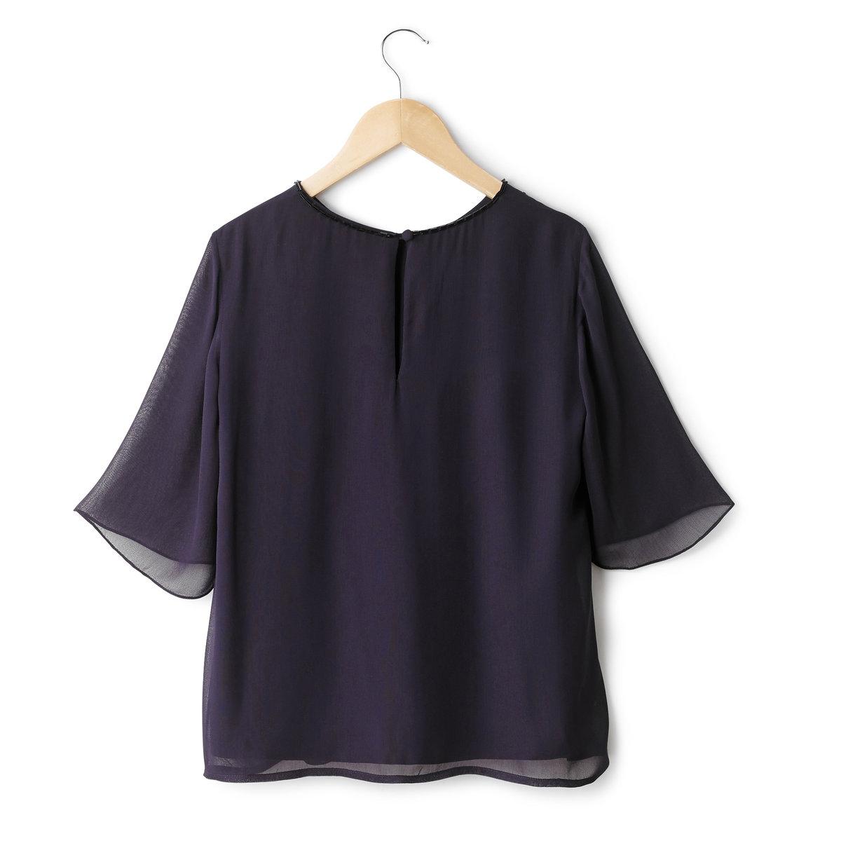 Блузка с рукавами 3/4Блузка FRENCH CONNECTION. Блузка из вуали, на подкладке, стразы и искусственный жемчуг спереди. Широкие рукава 3/4. Круглый вырез. Вырез-капелька с застежкой на 1 обтянутую пуговицу сзади.100% полиэстера.<br><br>Цвет: темно-синий<br>Размер: 38 (FR) - 44 (RUS)