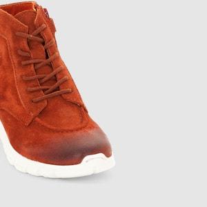 Zapatillas deportivas de caña alta y suela con relieve de tacos Marcelo KICKERS