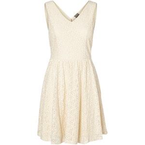 Sukienka bez rękawów ze ściągniętą talią VERO MODA