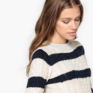 Sweter ze stójką z grubej dzianiny VERO MODA