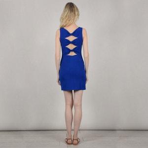 Korte aansluitende effen jurk zonder mouwen MOLLY BRACKEN