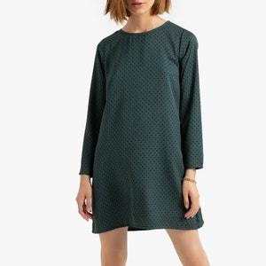 Korte rechte jurk met stippen, 3/4 mouwen en ronde hals