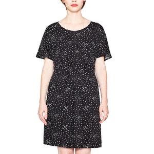 Rozkloszowana, krótka sukienka z krótkim rękawem ESPRIT