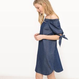 Krótka sukienka z odkrytymi ramionami VERO MODA