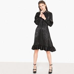 Платье из жаккардового рельефного трикотажа и кружева сзади
