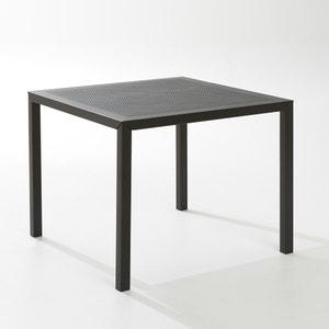 Quadratischer Gartentisch