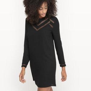 Kleid mit Teilungsnähten, grafischer Stil. SUD EXPRESS