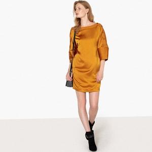 Платье короткое блестящее с оригинальными пуговицами на рукавах