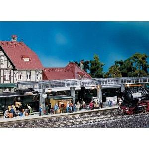 Modélisme ferroviaire HO : Quai couvert PLAY TRAIN FALLER