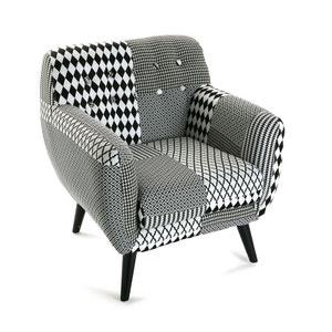 Fauteuil Club en tissu Patchwork blanc et noir et pieds bois noirs 68x63x76cm URBAN PIER IMPORT