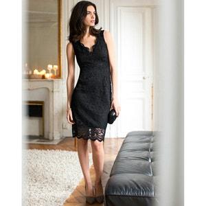 Rechte jurk afgewerkt met kant LAURA CLEMENT