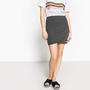 Krótka spódnica o kroju portfelowym ONLY