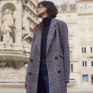 Halflange mannelijke jas met geruit motief
