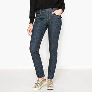 Slim-Fit-Jeans mit Perlen und Quasten