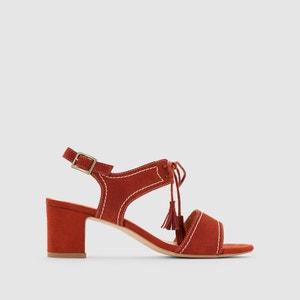 Skórzane sandały z ozdobnymi pomponikami atelier R