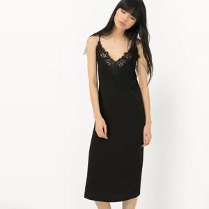 Lange jurk, combinatie van smalle schouderbandjes en kant SUNCOO