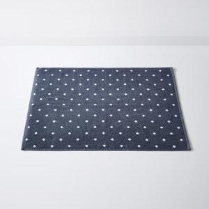 Getupfter Badezimmerteppich