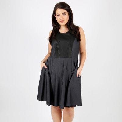 Gerades, unifarbenes, halblanges Kleid ohne Ärmel Gerades, unifarbenes, halblanges Kleid ohne Ärmel LOVEDROBE