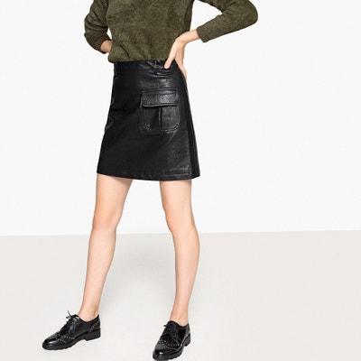 Falda corta y recta de piel sintética, con bolsillo con solapa Falda corta y recta de piel sintética, con bolsillo con solapa SEE U SOON