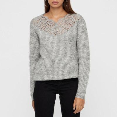 Пуловер из плотного трикотажа с кружевным вырезом Пуловер из плотного трикотажа с кружевным вырезом VERO MODA