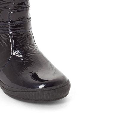 """Boots """"Slavika"""" in Lackoptik, aufgedruckte Sternmotive Boots """"Slavika"""" in Lackoptik, aufgedruckte Sternmotive BOPY"""