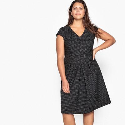 Ausgestelltes Kleid mit Jacquard-Tupfenmuster Ausgestelltes Kleid mit Jacquard-Tupfenmuster CASTALUNA