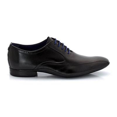Sapatos derbies modelo Richelieu, em pele, com atacadores Sapatos derbies modelo Richelieu, em pele, com atacadores AZZARO