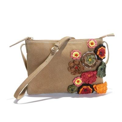 Sac pochette en croûte de cuir, fleurs en crochet MADEMOISELLE R