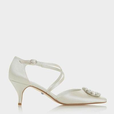 5f8e94bfab284 Chaussures en satin avec talons et brides croisées ornées de strass -  CRUSHING DUNE LONDON