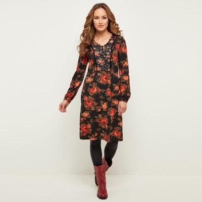 Sukienka dopasowana w talii z dekoltem w serek z długim rękawem Sukienka dopasowana w talii z dekoltem w serek z długim rękawem JOE BROWNS