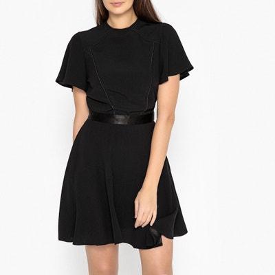 Ausgestelltes Kleid, exklusiv designt für La Brand Boutique Ausgestelltes Kleid, exklusiv designt für La Brand Boutique SESSUN