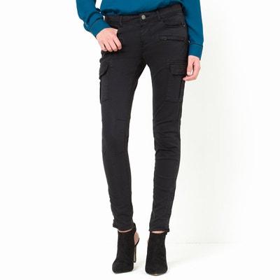 Pantalón HARPER, corte slim, bolsillos de parche en los muslos. Pantalón HARPER, corte slim, bolsillos de parche en los muslos. CIMARRON