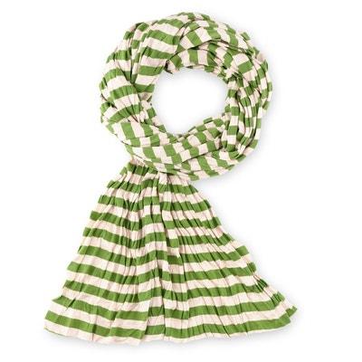 Echarpe femme verte echarpe chale laine   Travauxchezvous 2e390a8cc98