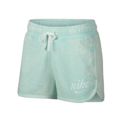 063a25f7b Short deportivo con logotipo en el muslo Nike sportswear Short deportivo  con logotipo en el muslo
