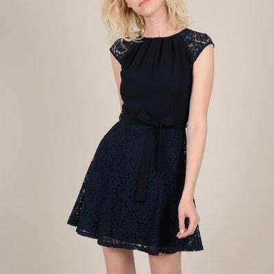df46bb6d35535e Korte jurk in kant zonder mouwen