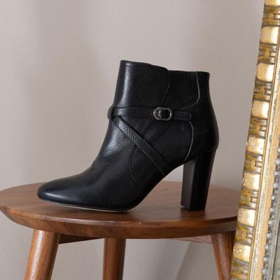444d985e6ec3dc Boots in leer met bandje met goudkleurige gesp Premium Boots in leer met  bandje met goudkleurige